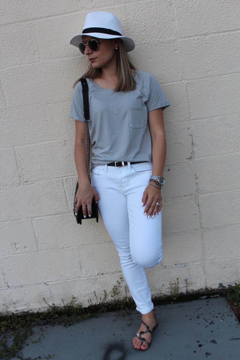 1fa51d288e7f9 Look do Dia  Camiseta e Calça Jeans Branca